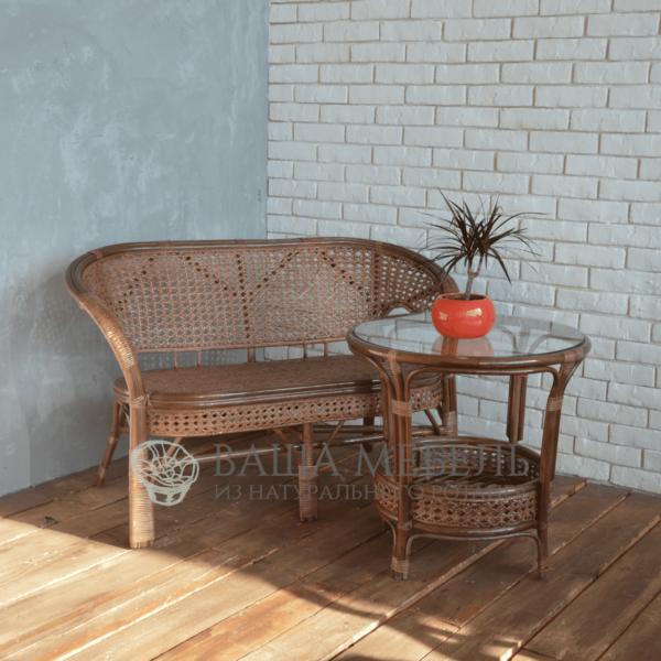 Set: sofa and table Pelangs made of natural rattan.