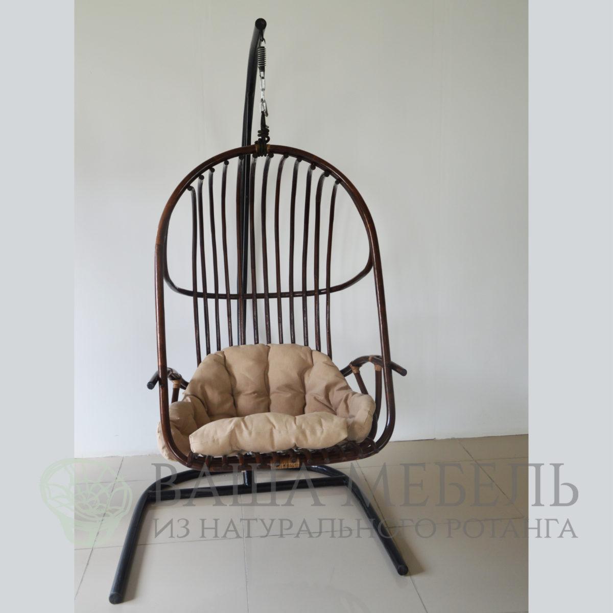 Кресло подвесное Бали из натурального ротанга.
