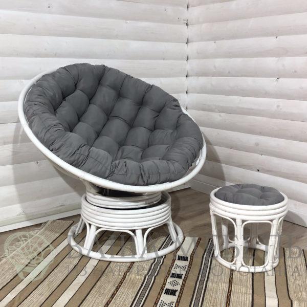 Кресло Папасан вращающееся в белом цвете из натурального ротанга